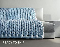 Neuen : Chunky Knit Blanket - ice blue - light blue - Chunky Knit Throw - Small to X Large - Merino Blend - Chunky Knit Braid Blanket , Big Yarn Blanket, Chunky Knit Throw Blanket, Giant Knit Blanket, Wool Blanket, Crib Blanket, Large Blankets, Cozy Blankets, Chunky Knit Decke, Chunky Knits