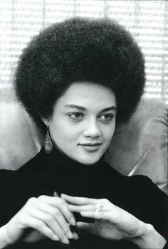 Pin in Hair or History? That Afro 😍😍 Kathleen Cleaver, Esq., former Black Panther. She was the female member of the Black Panther Party's decision making body. She was also the wife of Eldridge Cleaver and served as a Senior Lecturer at Yale University. Black Panther Party, Black Power, Women In History, Black History, Kings & Queens, Black Panthers, By Any Means Necessary, My Black Is Beautiful, Simply Beautiful
