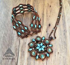 Created by Annie & The Beads Bracelet design by Akke Jonkhof Pendant design by Erika Sándor