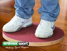 Balance board for fitness/therapy, made from beech wood, Diameter: 47 cm, Product code 305