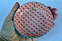 Kintsugi Vintage plate, boowl,  cuenco Kintsugi porcelana oriental. Colección Butterfly de KanelaSuri en Etsy Kintsugi, Vintage Plates, Tableware, Etsy, Porcelain, Dinnerware, Dishes, Place Settings