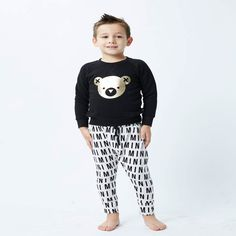 Huxbaby is about minimalist fashions for kids with an adult level of style. With sustainability a focus, Huxbaby's mainly gender-neutral designs allow parents t Stylish Boy Clothes, Stylish Boys, Pants Drawing, Drop Crotch Pants, Gender Neutral, Minimalist Fashion, Boy Outfits, Kids Fashion, Pajama Pants