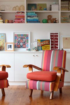 Inbuilt shelving and storage..... LOVE