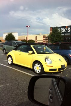 Yellow Punchbuggy No punch backs Tesla Electric Car, Electric Car Charger, Volkswagen Convertible, Car Volkswagen, My Dream Car, Dream Cars, Bug Car, Vintage Jeep, Beetle Car