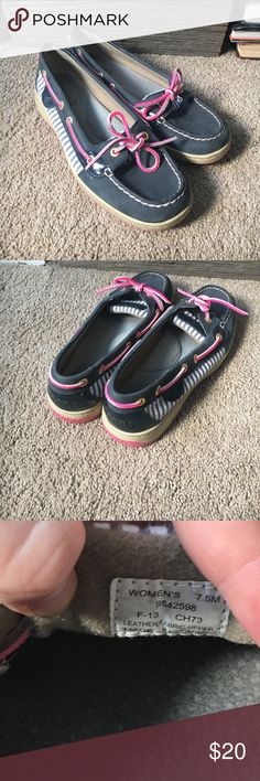 Sperry shoes Barely worn navy and pink shoes! Great condition! Sperry Top-Sider Shoes