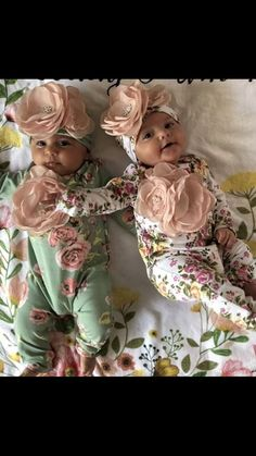 Baby Girl Floral Romper Infant Layette Cotton Baby Romper with Large Flower On The Chest and Matching Hat Baby Girl Hats, Baby Girl Romper, Cute Little Baby, Little Babies, Flower Girl Dresses Country, Baby Layette, Baby Diaper Bags, Girls Rompers, Floral Romper
