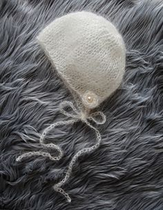 Lace_mohair_bonnet_pattern_small2
