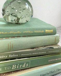 Mint Green Aesthetic, Aesthetic Colors, Book Aesthetic, Sage Green Wallpaper, Verde Vintage, Sage Green Walls, Green Sage, Images Esthétiques, Green Pictures
