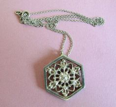 Vintage Scottish Norman Grant Dust Jewellery Sterling Silver Snowflake Necklace