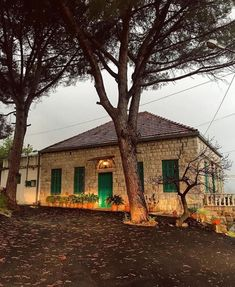 MPOWER/// Old House Design, Unusual Homes, Old Buildings, Beirut, Clay Crafts, Traditional House, Architecture, Decoration, Old Houses