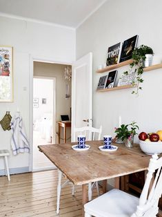 Interior Kitchen table and chairs - How to design the dining room and the kitchen Kitchen Interior, Kitchen Decor, Kitchen Design, Kitchen Nook, Rustic Kitchen, Swedish Kitchen, Neutral Kitchen, Scandinavian Kitchen, Cheap Kitchen