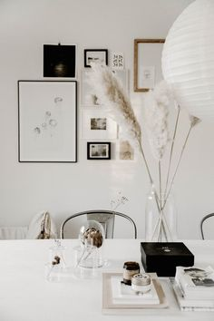 30 Nice Spring Scandinavian Decor Ideas To Beautify Your Home - Retro, checks, black and white…looks like MOD is back. A color explosion - bright tomato red, tangerine, lime green and even yellow - is what's hot. Hidden Spaces, Hidden Rooms, Hygge, Bohemian House, Secret Rooms, Home Scents, Just Relax, Guest Bedrooms, Scandinavian Style