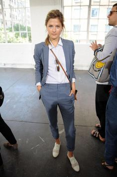 Louisa Gummer in Steven Alan Presentation Mercedes-Benz Fashion Week Spring 2015 Source by lisabet_t Lesbian Outfits, Tomboy Outfits, Business Casual Outfits, Professional Outfits, Mode Outfits, Fashion Outfits, Fashion Ideas, Fashion Tips, Androgynous Fashion Tomboy