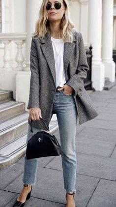 Here is Womens Blazer Outfit Ideas Picture for you. Womens Blazer Outfit Ideas women blazer outfits 32 ways to wear blazer. Blazer Outfits For Women, Casual Work Outfits, Mode Outfits, Work Casual, Simple Outfits, Fall Outfits, Fashion Outfits, Office Outfits, Blazer Fashion