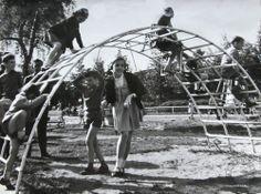 Things of the past (70's,80's,90's) - Dingen van vroeger (70's,80's,90's) (Het klimrek)