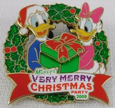 Disney Parks  Very Merry Christmas Party 2009 Pin New LE 2500 Donald Daisy