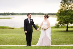 Lake Mary Events Center Wedding Photo - Sweet Wedding Pictures - Bride and Groom    http://michelleguzmanweddings.com/