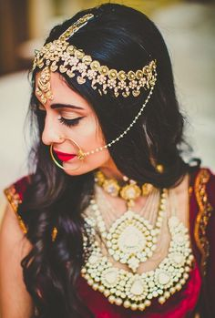 97 Awesome Indian Bridal Hairstyles Perfect for Your Wedding, 22 Stylish Bridal Hairstyles for A Fall Winter Bride, Bridal Hairstyle Indian Wedding 40 Indian Bridal, Indian Bridal Hairstyle Zowed, Side Curls Hairstyles for Wedding 60 Traditional Indian. Mehndi, Henna, Maang Tikka Design, Tikka Designs, Open Hairstyles, Indian Bridal Hairstyles, Matha Patti Hairstyles, Wedding Hairstyles, Bridal Looks