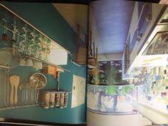 cozinha azul petroleo com pastilhas coloridas