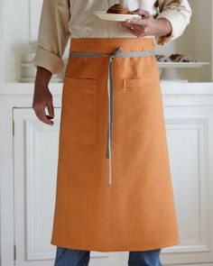 Inspired by men who love to cook, and designed to fit both women and men comfortably. Its long and wide and universally just looks good. 100% linen, and finished with sturdy nickel-plated grommets on the back corners, and gray cotton twill ties. 33 long, 40 wide