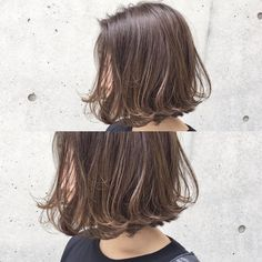 大人カジュアル 前下がりの切りっぱなしボブに 毛先だけさりげない動きを ハイライトを入れてスモーキーアッシュに #大人カジュアル #ハイライトカラー #シアーベージュ ... Cassie Hair, Midi Hair, Short Brown Hair, Hair Arrange, Hair Reference, Permed Hairstyles, Hair Images, Hair Today, Dyed Hair
