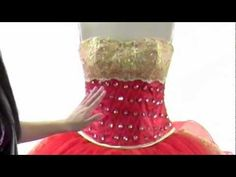 What Is A Quinceanera? - Very nice explanatory video from a commercial vendor about Quinceaneras Spanish Teaching Resources, Spanish Activities, Spanish Lessons, Spanish 101, Spanish Music, How To Speak Spanish, Spanish Language, Learn Spanish, Middle School Spanish
