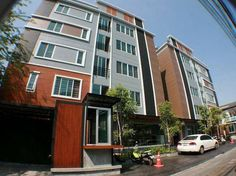 Bangkok My Space Apartments Thailand, Asia My Space Apartments is conveniently located in the popular Ratchadaphisek area. The hotel offers guests a range of services and amenities designed to provide comfort and convenience. To be found at the hotel are luggage storage, Wi-Fi in public areas, library, shared lounge/TV area. Guestrooms are designed to provide an optimal level of comfort with welcoming decor and some offering convenient amenities like television LCD/plasma scre...