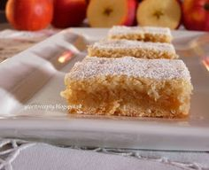 Rada pečiem jablkové koláče a tento patrí medzi náš najviac obľúbený. Easy Cake Recipes, Healthy Dessert Recipes, Sweet Recipes, Baking Recipes, Cookie Recipes, Desserts, Czech Recipes, Sweets Cake, Sweet And Salty