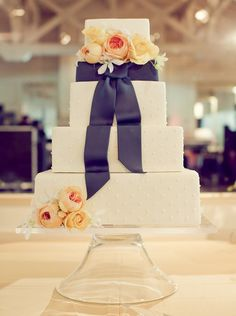 Editor's Pick: Wedding Cakes with Creative New Designs. To see more: http://www.modwedding.com/2014/09/07/editors-pick-wedding-cakes-creative-new-designs/ #wedding #weddings #wedding_cake Featured Photographer: Carlie Statsky