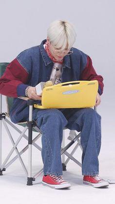 Grampa Yoongi in those clothes LOL