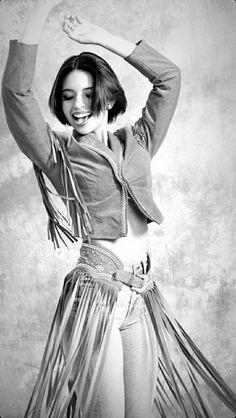 Bandanas, Sexy Cowgirl, Statue, Womens Fashion, Mexican Girls, Beautiful, Goals, Hair, Teen Style