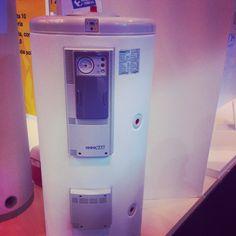 Sistema de agua caliente aerotermico. Consume 500w y aporta 2000w