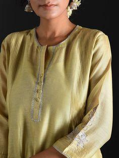 Best 12 Old Rose Zari-Embroidered Silk-Chanderi Kurta – SkillOfKing. Yeezy Fashion, Suit Fashion, Fashion Women, Kurta Designs Women, Choli Designs, Neck Designs For Suits, Kurta Neck Design, Kurti Designs Party Wear, Embroidery Suits
