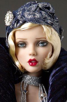 Emma Jean A Slight Chill Déjà vu doll by Tonner Doll Company Beautiful Barbie Dolls, Pretty Dolls, Cute Dolls, Poppy Parker, Barbie Collection, Barbie Friends, Mode Vintage, Ooak Dolls, Barbie Clothes