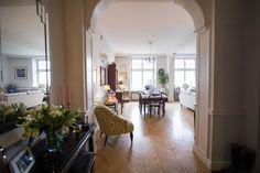 modern classic home, photo: Kasia Bobocińska Classic House, Modern Classic, Floor Molding, Moldings, Luxury Apartments, Oversized Mirror, Flooring, Showroom, Furniture