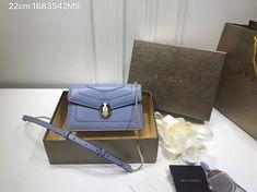 Bvlgari snake headbuckle woman leather shoulder bags chain flap bag 22cm Leather Shoulder Bag, Shoulder Bags, Bvlgari Bags, Snake, Wallet, Woman, Chain, Fashion, Moda