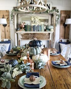Farmhouse Fall Dining Room Decor – Navy and Copper Pumpkins – Farmhouse Decor Above Couch Blue Fall Decor, Fall Home Decor, Autumn Home, Navy Blue Decor, Fall Dining Table, Navy And Copper, Navy Gold, Decoration Chic, Modernisme
