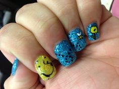 Winnie the Pooh nails for Disneyland next year! I'm so going to try this :D