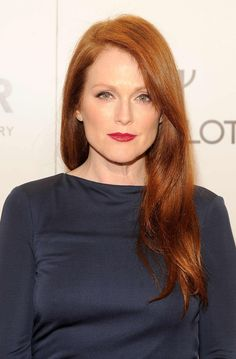 Closeup: Julianne Moore. Again with the pink shadow, this time it's matte pink with a charcoal liner on top and a touch of brown or copper on the bottom, and a ruby red lip. #redhead #makeup