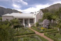 Les Chambres Guest House - Les Chambres Guest House is situated in the heart of Franschhoek village, offering luxurious accommodation and personal service at very reasonable rates.  The guest house is a beautifully restored home ... #weekendgetaways #franschhoek #southafrica