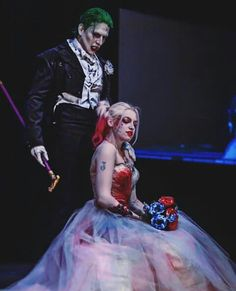 24 Incredible Well Done Harley Quinn Cosplays Harley And Joker Love, Harley Quinn Cosplay, Joker Cosplay, Joker And Harley Quinn, Der Joker, Joker Art, Maquillage Harley Quinn, Harley Quenn, Harley Quinn Drawing