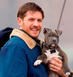 2013 pics of om hardy | Pictures Of Tom Hardy And A Puppy Are Worth Seeing