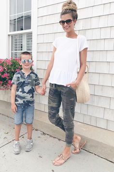 Summer Vacation Outfit Ideas - Camo Joggers outfits style summer teenage frauen sommer for teens outfits Summer Outfits Women 30s, Summer Outfits For Moms, Summer Vacation Outfits, Outfit Summer, Vacation Fashion, Casual Outfits For Moms, Summer Vacations, Jogger Outfit, Women Joggers Outfit