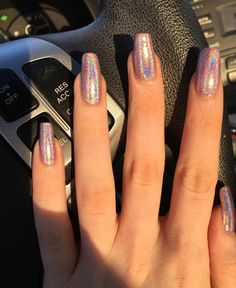 10 Elegant Rose Gold Nail Designs That You Should Try 10 elegante Roségold-Nageldesigns, die Sie ausprobieren sollten Glittery Nails, Rose Gold Nails, Cute Acrylic Nails, Holographic Nails Acrylic, Acrylic Nails Chrome, Gold Chrome Nails, Lilac Nails, Pink Glitter, Gold Nail Designs