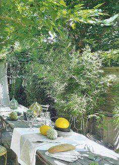 """La Pouyette....: """"a table...."""" - Outdoor"""