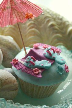 love these beach cupcakes!!!