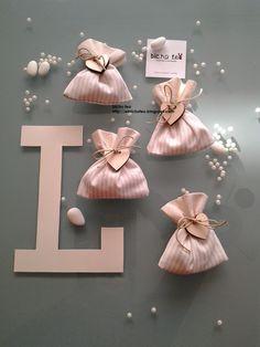 Sacchetti per confetti. http://elbichofeo.blogspot.com