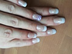 Einfaches French mit Highlight am Ringfinger