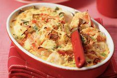 Kijk wat een lekker recept ik heb gevonden op Allerhande! Kabeljauw-garnalenschotel uit de oven Bar B Que, Thai Red Curry, Potato Salad, Serving Bowls, Macaroni And Cheese, Slow Cooker, Shrimp, Meat, Tableware