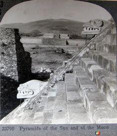 Fotos de Teotihuacán, México, México: Piramide del Sol  Hacia 1900